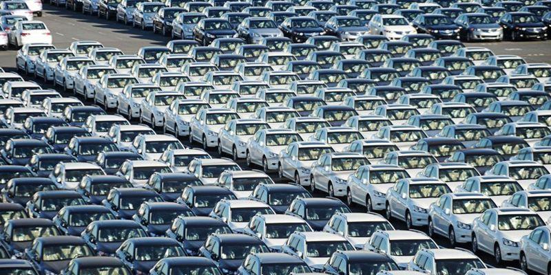 В Киеве коммунальщики оригинально наказали «героиню парковки». Видео