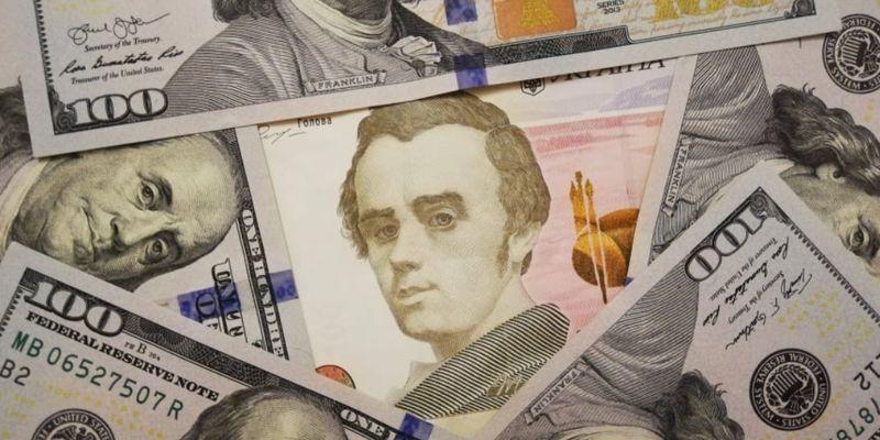 НБУ начал повышать гривну. Официальный курс валют на 6 апреля