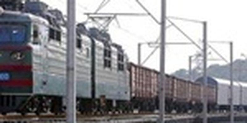 В Одессе подросток попал в реанимацию после прогулки по крыше поезда