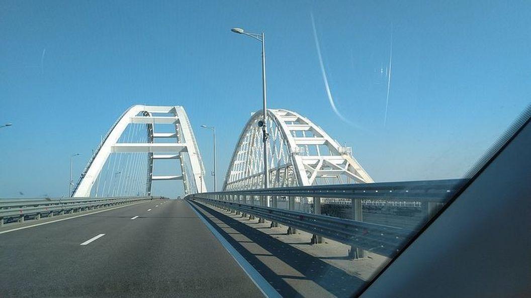 У мережі виклали фото Керченського мосту: до і після
