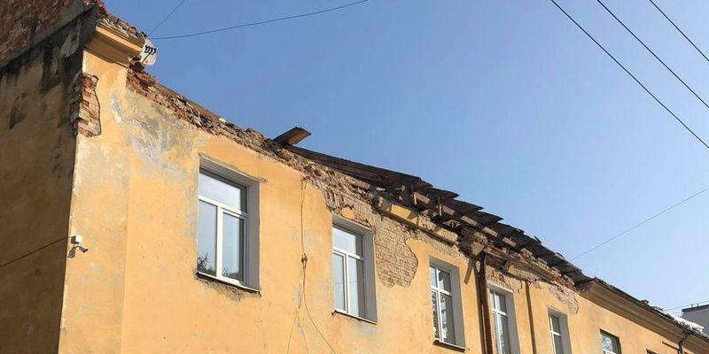 У Львові після снігопадів почали протиаварійні роботи у двох будинках