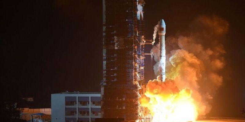 Обломки китайской ракеты могут упасть на жилые районы - Пентагон