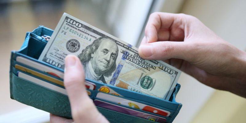 Падение было недолгим: курс доллара в Украине вернулся к росту