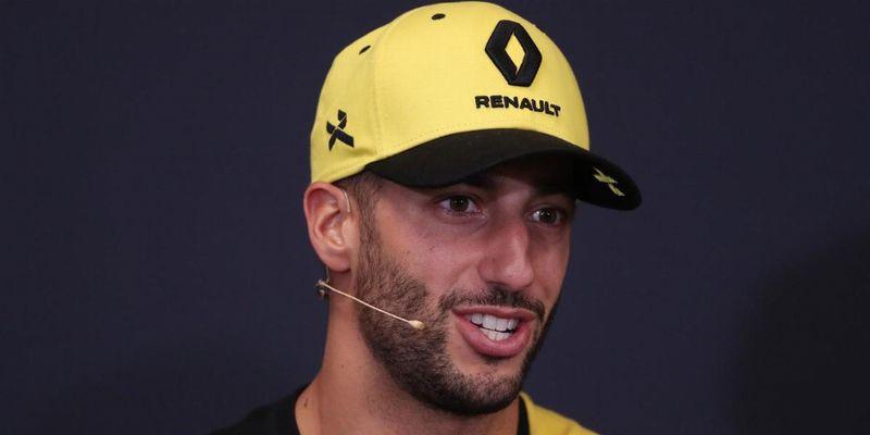 Риккардо: «Попросил ребят в McLaren сделать так, чтобы мне было комфортно в кокпите»
