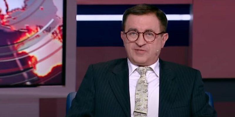 У украинского политолога проводят обыск по делу о госизмене: видео
