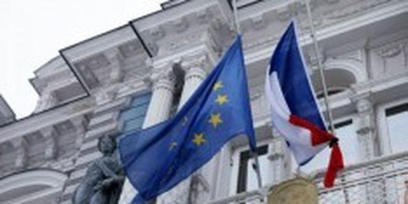 Во Франции в ближайшее время не будут отменять карантин
