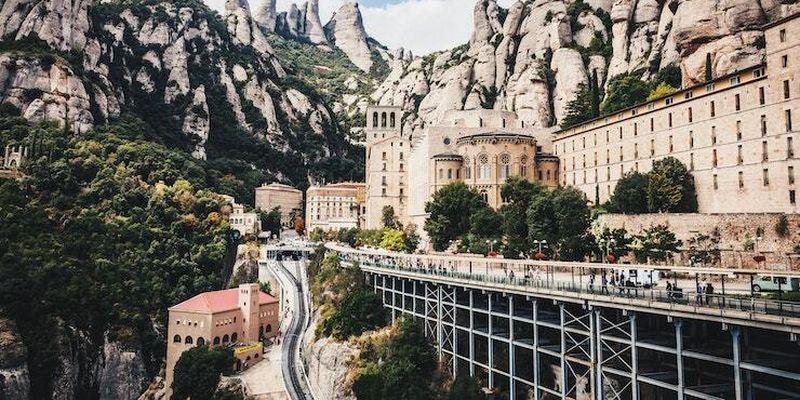 Іспанія відкриває кордони для вакцинованих туристів
