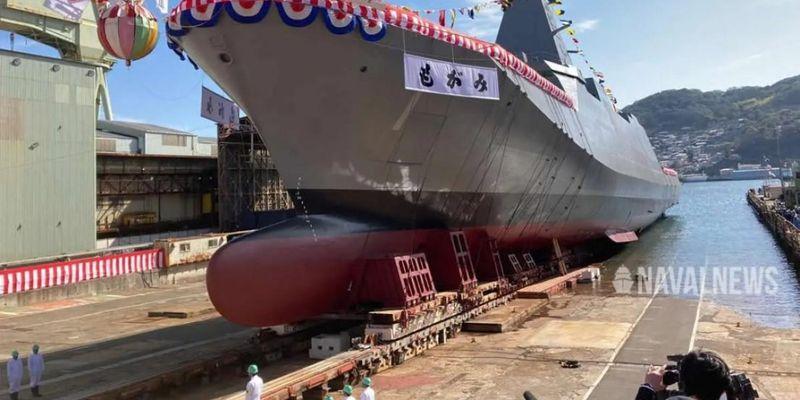 Японія спустила на воду головний стелс-фрегат нового покоління