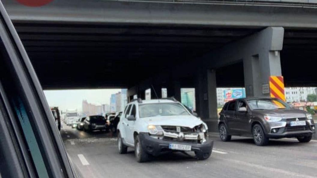 В Киеве «устал» и рушится еще один мост