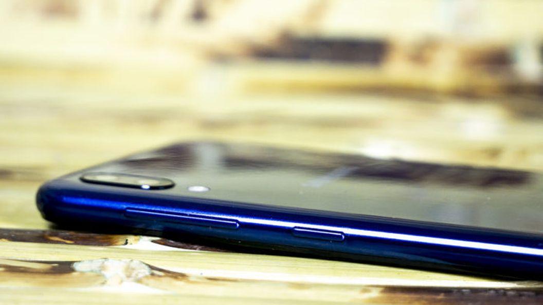Обзор Samsung Galaxy M10 - камбэк в бюджетный сегмент
