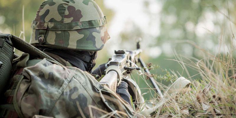"""На Донбассе неспокойно: боевики девять раз нарушили """"тишину"""""""
