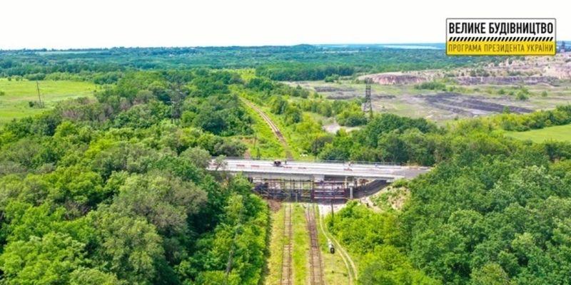 Ремонт трех мостов завершают на Луганщине