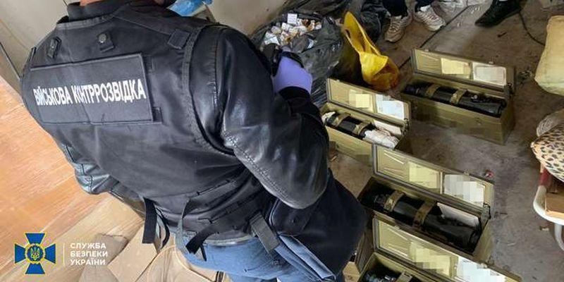 Ексчиновник оборонного концерну крав оптичні приціли. Збитки державі – понад 500 тис. грн