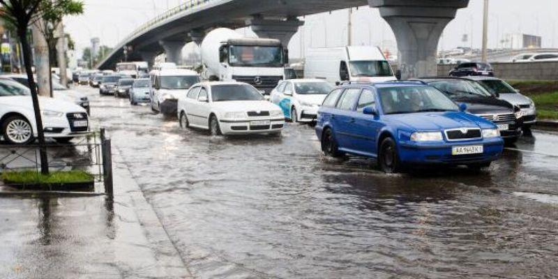 Непогода в Киеве: Подтопления в восьми районах ликвидированы