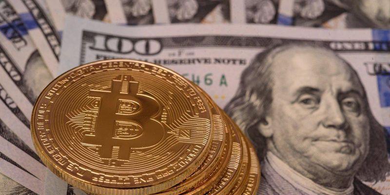 Цена биткоина впервые превысила $58 тысяч