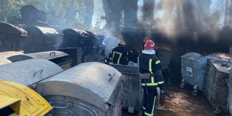 Неподалік аеропорту «Київ» спалахнула серйозна пожежа
