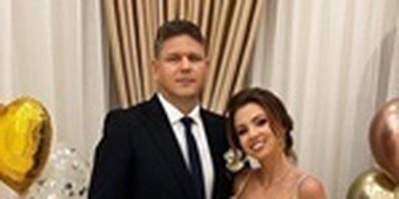 Больше не Зинченко: Девушка с собачкой из Уханя сменила фамилию в соцсетях