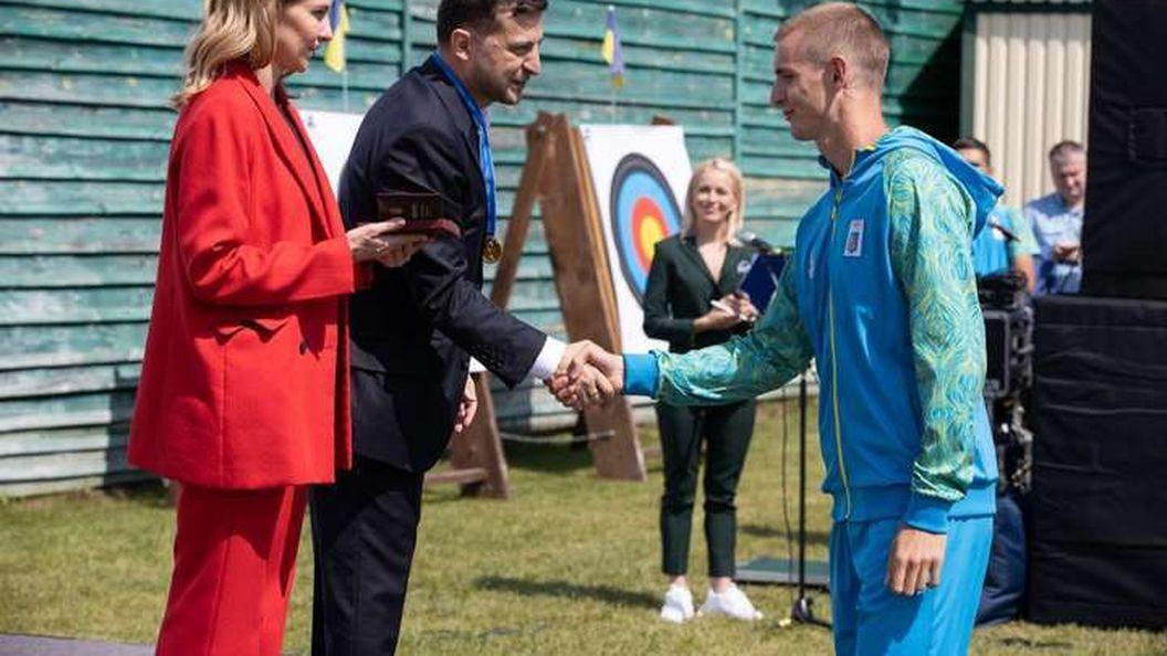 Комсомол 21-го сторіччя. Як сяйво Зеленського спортсменів осяяло