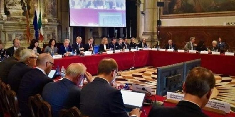 Ложь в декларации: Венецианская комиссия одобрила законопроект о тюремном заключении