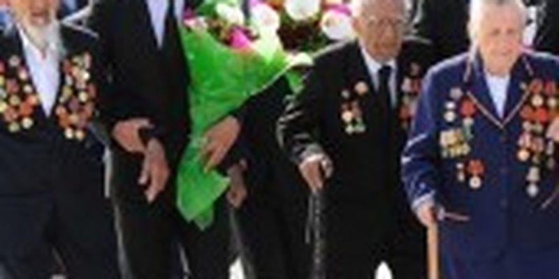 У Туркменістані ветерани заплатять за президентські подарунки до 9 травня