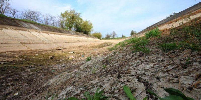 Перекрывшая воду в Крым дамба под угрозой разрушения – СМИ