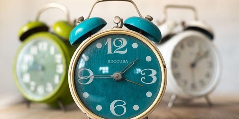 Переход на летнее время 2021: когда в Украине переводят часы