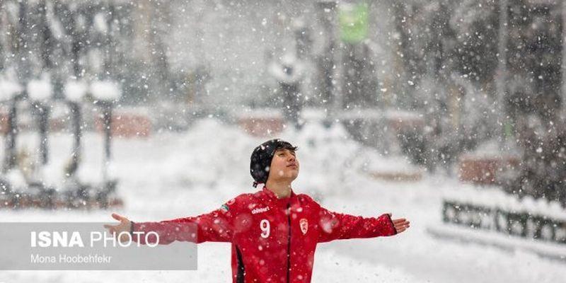 Тегеран засипало снігом, закрили аеропорт, але люди радіють: промовисті фото