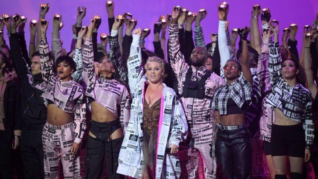 Українські режисери створили номер для співачки Pink