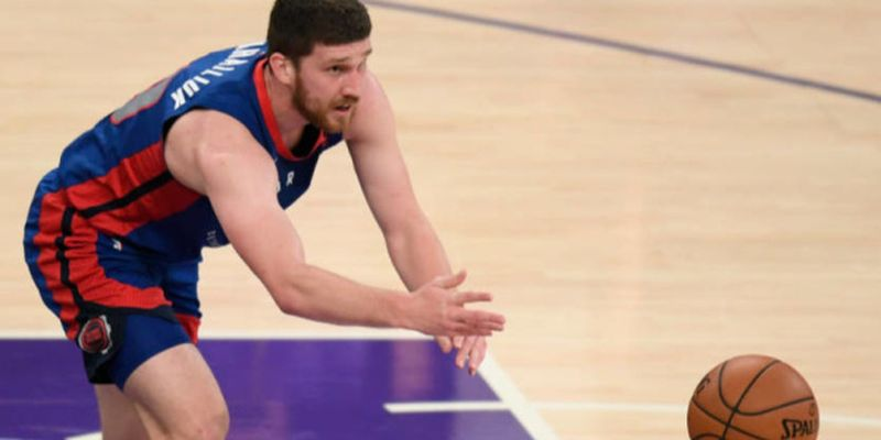 НБА: «Кливленд» разгромил «Оклахому» Михайлюка