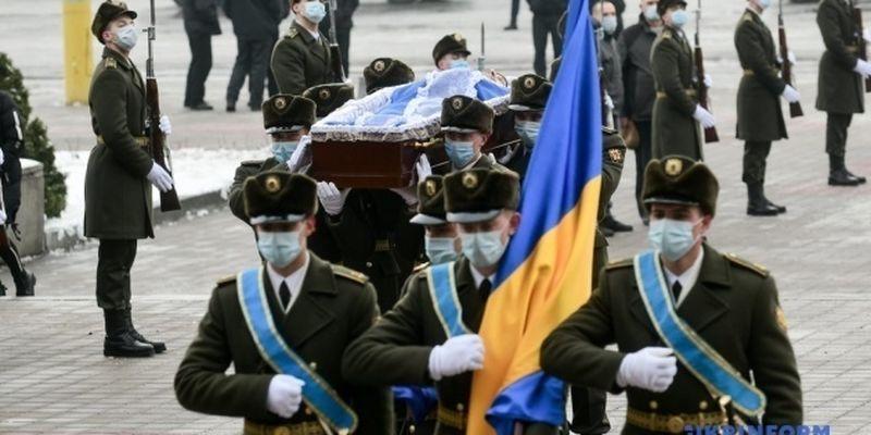 В Запорожье похоронили бойца, погибшего от пули снайпера на Донбассе
