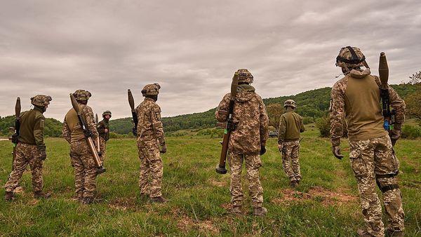 Родились в боях за Донбасс: какой путь прошли ВСУ за время независимости - Фото 1