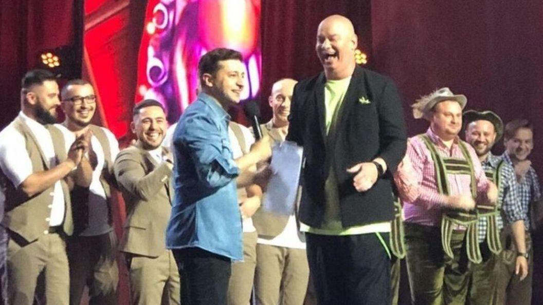 Зеленский станцевал на сцене во время съемок нового выпуска «Лиги Смеха»