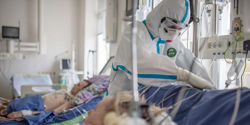 Провоцирует паралич: ученые обнаружили новую особенность коронавируса