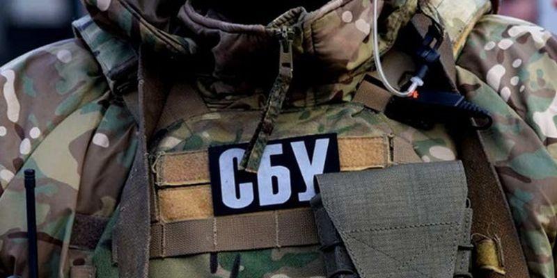 """В Николаеве ректор университета систематически """"премировал"""" родственников"""