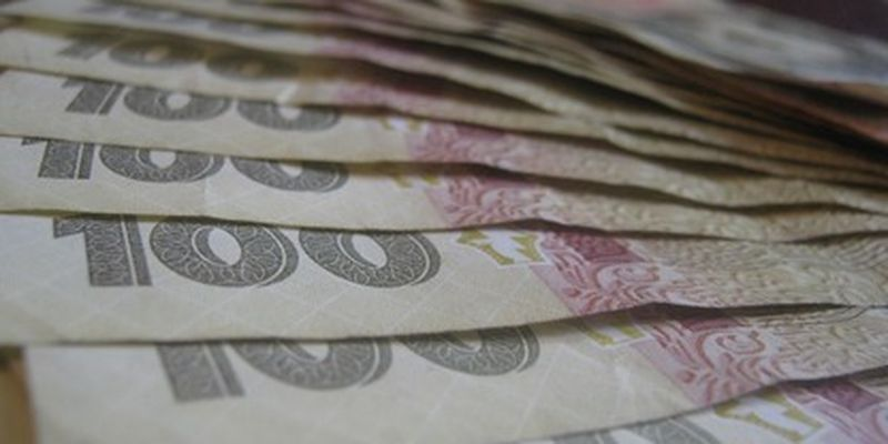 Новый курс доллара и перерасчет пенсий: какие изменения ждут украинцев в июне