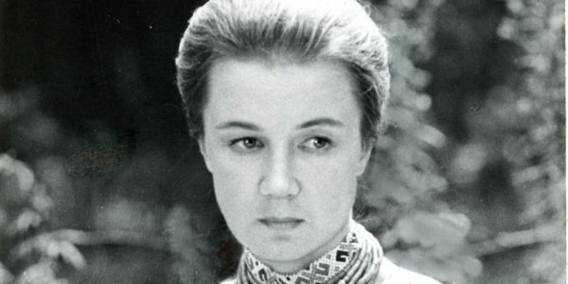 Актор єдиного художнього фільму про Лесю Українку душив себе шарфом під простирадлом