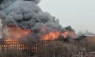 В Санкт-Петербурге вспыхнула фабрика: выжили не все