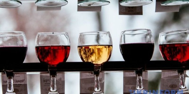 """На Закарпатье легендарный фестиваль """"Червене вино"""" впервые проводят онлайн"""
