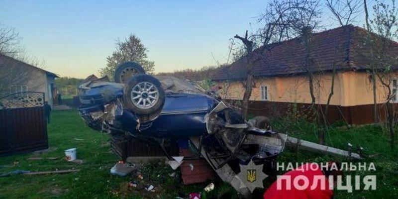 Авто протаранило паркан та перекинулось: у Чернівецькій області в смертельній ДТП загинув 29-річний чоловік
