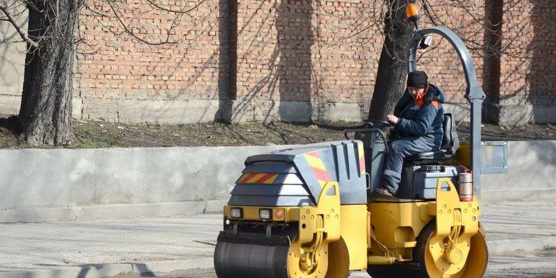 Мерія Львова обіцяє впродовж двох днів залатати аварійні ями на дорогах
