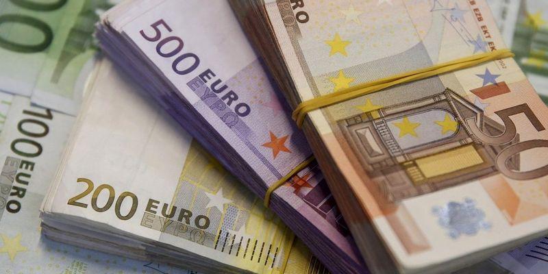 Як розпізнати фальшиві євро і що потрібно знати про обмін валют в Тернополі