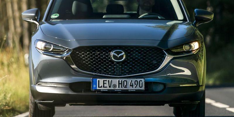Новый кроссовер Mazda CX-30: первые впечатления на дороге