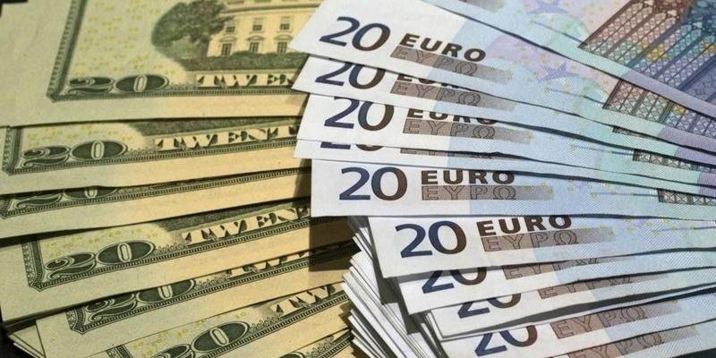 Снова подскочили: курс валют в Украине на 23 февраля