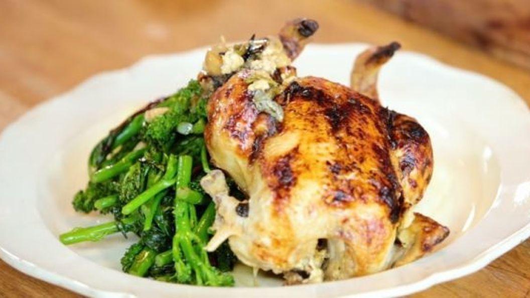 Как приготовить курицу в духовке: 15 потрясающих рецептов