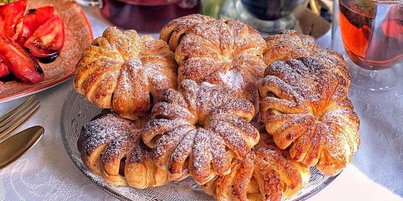 Яблочные булочки с корицей: элементарный рецепт