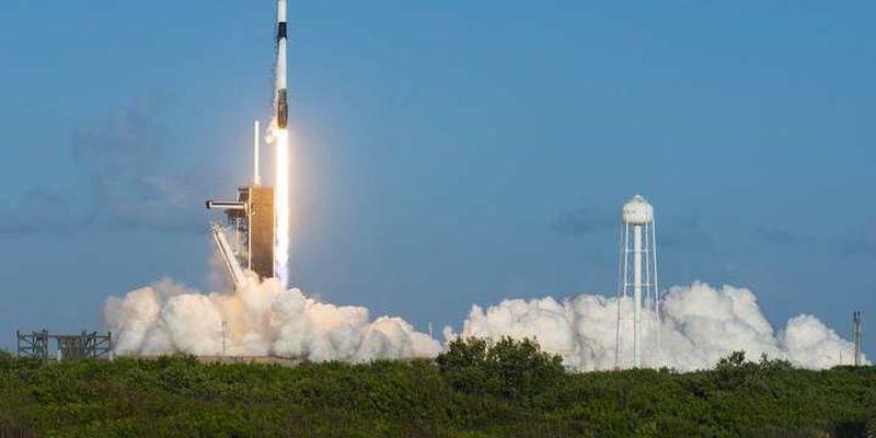 SpaceX запустила чергову партію інтернет-супутників Starlink
