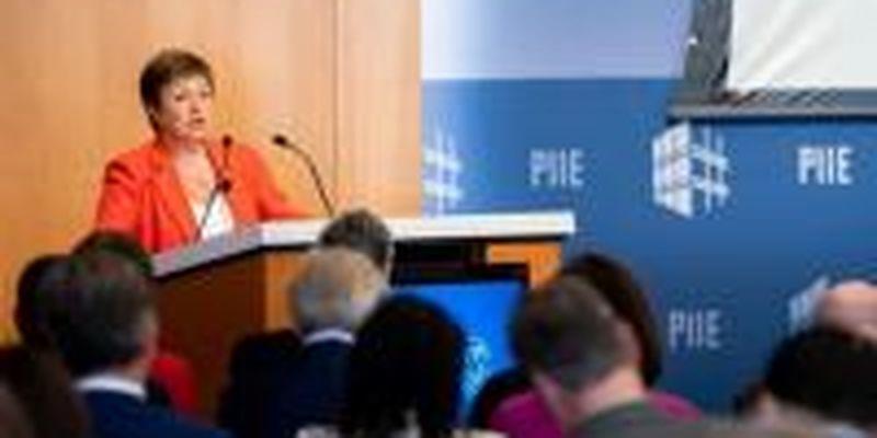 """Глава МВФ объявила о """"темном часе"""" человечества"""