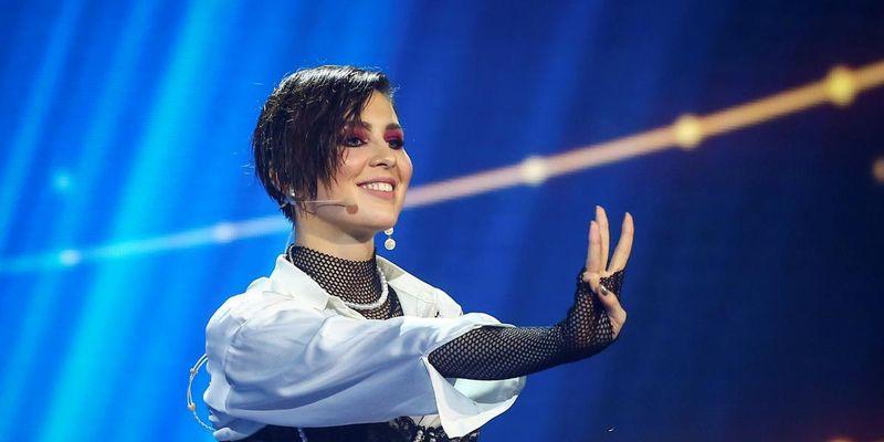 """""""Цепи и латекс"""": MARUV устроила БДСМ-танцы на концерте в Турции"""